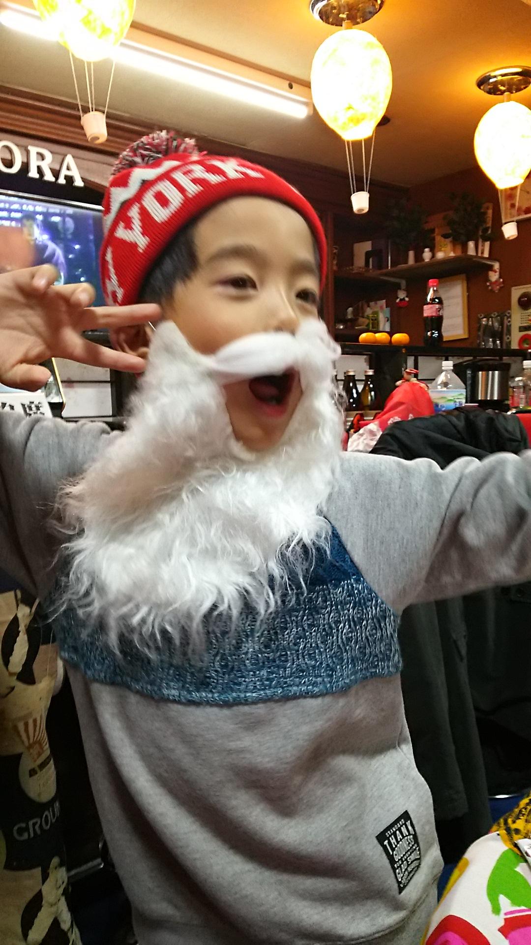 クリスマスパーティーでサンタさんになった店長